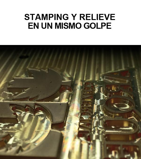 adcolabels stamping y relieve etiquetas adehsivas para vino cosmética farmaci industria alimentación sistemas de impresión impacto visual diseño calidad